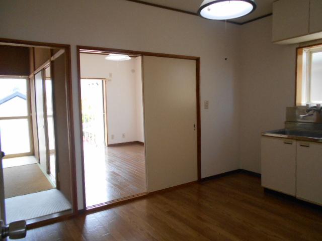サンシティハイツ斉藤 203号室のリビング