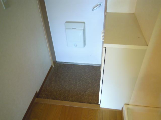 マリーハイム 103号室の玄関