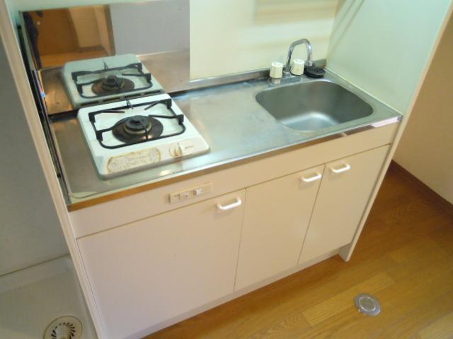 マリーハイム 103号室のキッチン