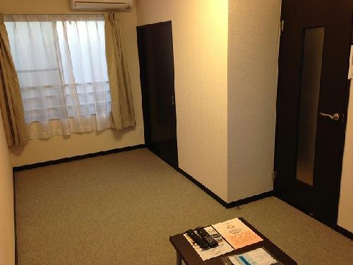 レオネクストシャンローズ 201号室のベッドルーム