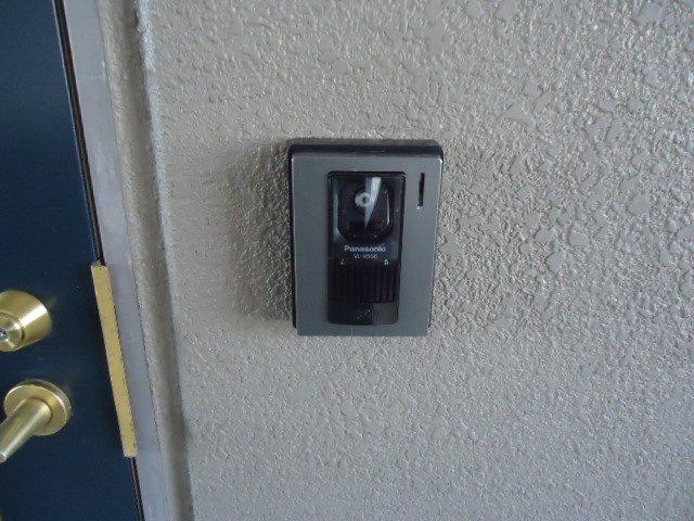 ルミナス11 202号室のエントランス