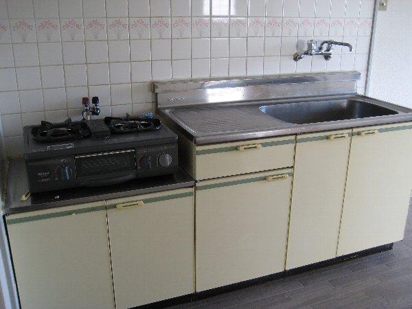 サンシティ小幡 601号室のキッチン