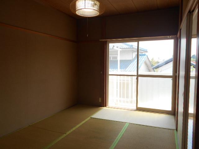 サンシティハイツ斉藤 201号室のリビング