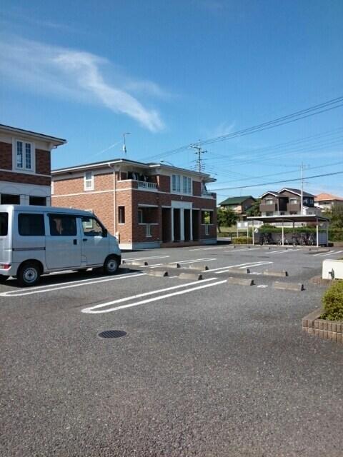 フロ-レゾンⅡ 02030号室の駐車場