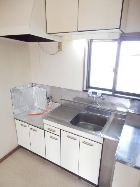 ソワサントニュー狭山 00203号室のキッチン