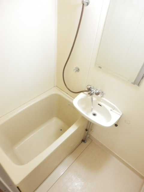 ソワサントニュー狭山 00203号室の風呂