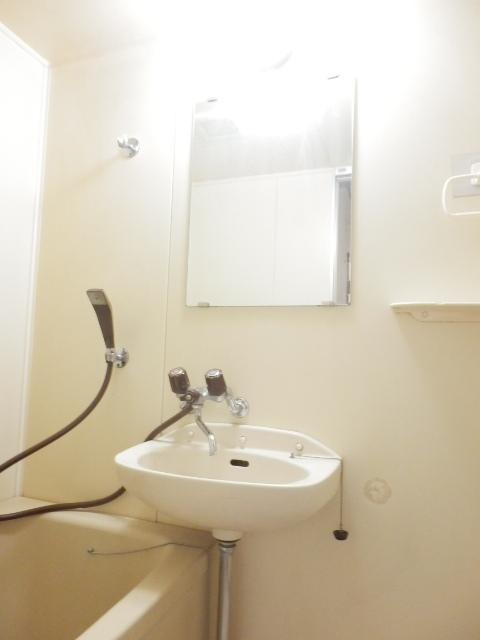 ソワサントニュー狭山 00203号室の洗面所