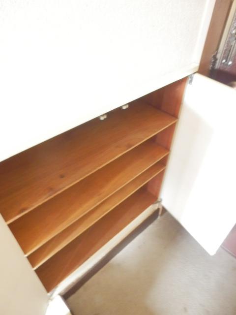 ソワサントニュー狭山 00203号室の玄関
