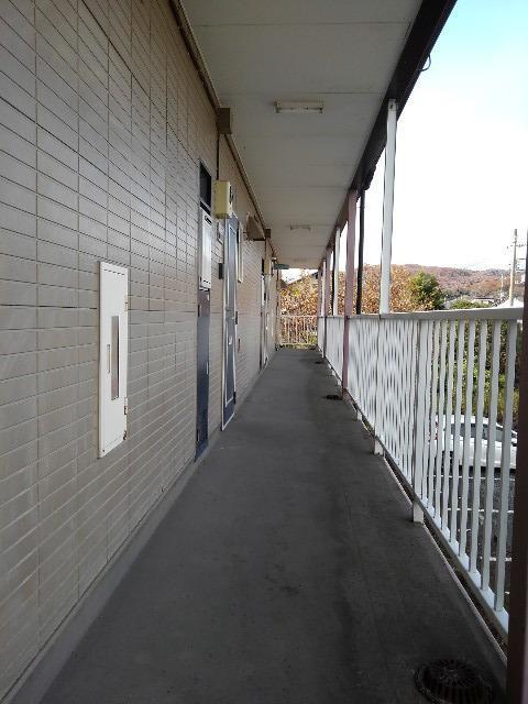 ガーデンシティハイツA 02020号室の玄関