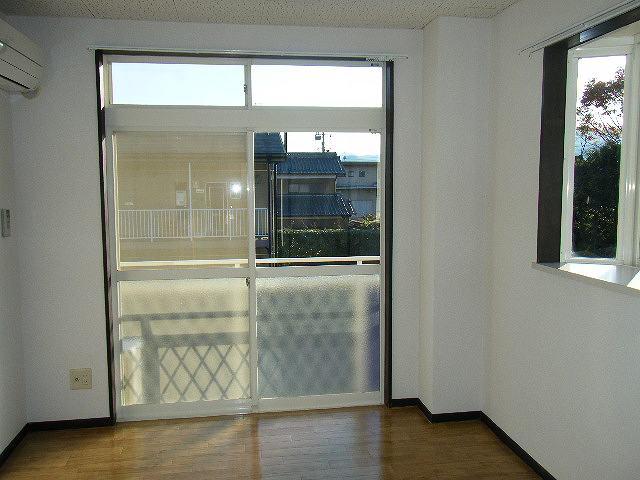 ガーデンシティハイツA 02020号室のキッチン