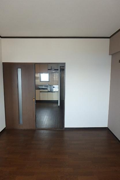 グランドステータス林 304号室のベッドルーム