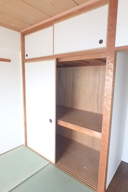 グランドステータス林 304号室の収納