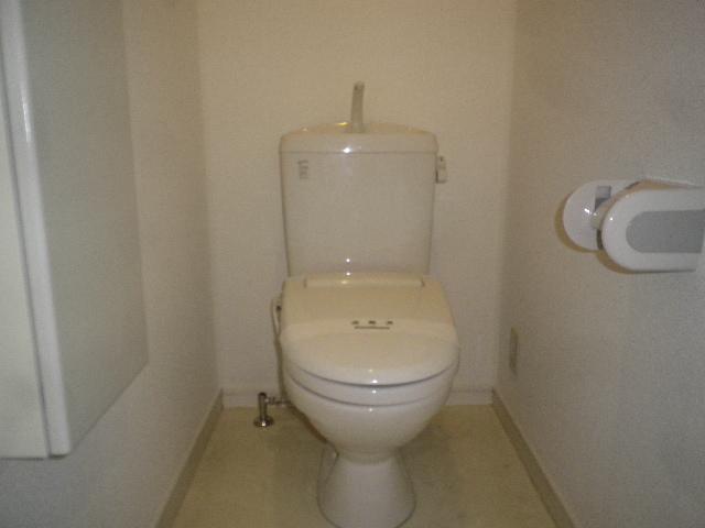 コンフォート・ウィズ エターナルポート 101号室のトイレ