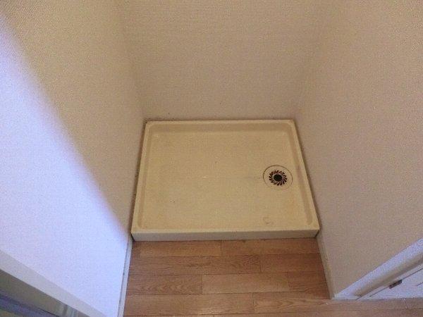 レピュート勝川Ⅱ 204号室の洗面所