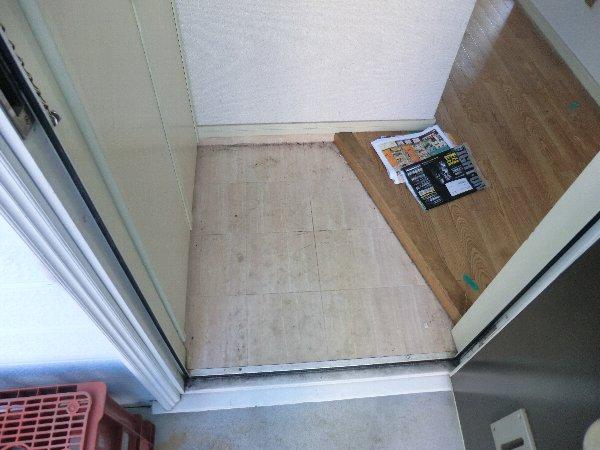 レピュート勝川Ⅱ 204号室の玄関