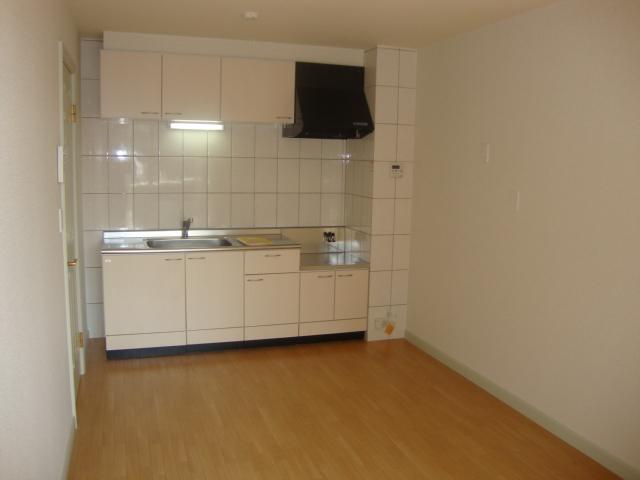 エルム B棟 201号室のキッチン