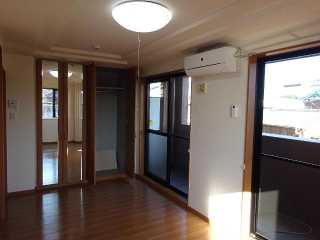 パールハウス 102号室の居室