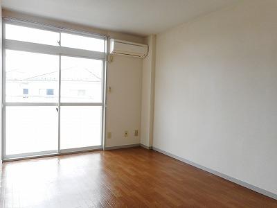 ランドロードヌマタA 02020号室の玄関