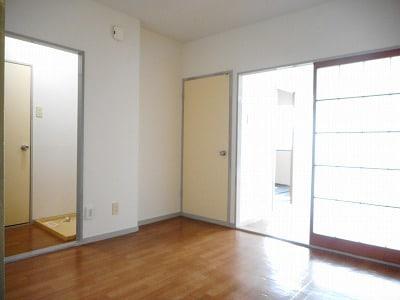 ランドロードヌマタA 02020号室のリビング