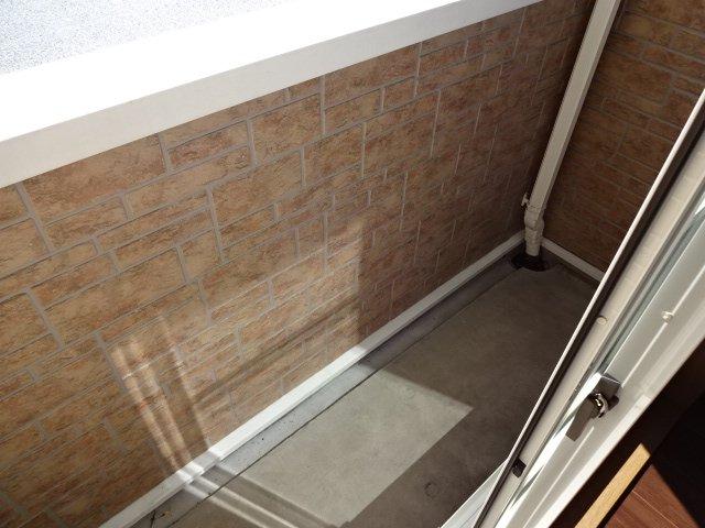 コンフォース鳩山 00101号室のバルコニー