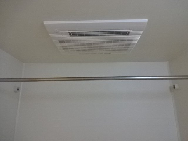 コンフォース鳩山 00101号室の風呂