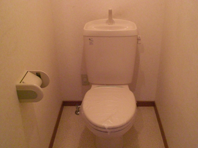 シャルマン門弟山 102号室のトイレ