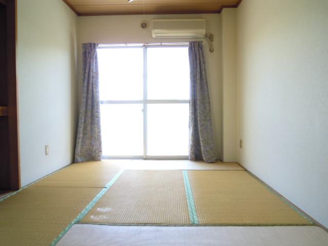 キャビン銀生 20A号室の居室