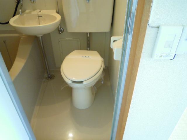 キャビン銀生 20A号室のトイレ