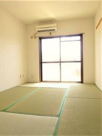 上福岡第2宝マンション 207号室のリビング