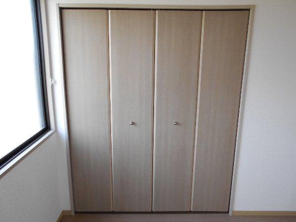 リバーサイドハウス 105号室の収納