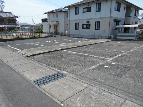 リバーサイドハウス 105号室の駐車場