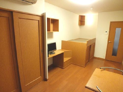 レオパレスSAKURA 206号室のリビング