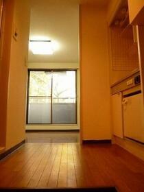 ブラウンバード 111号室のリビング