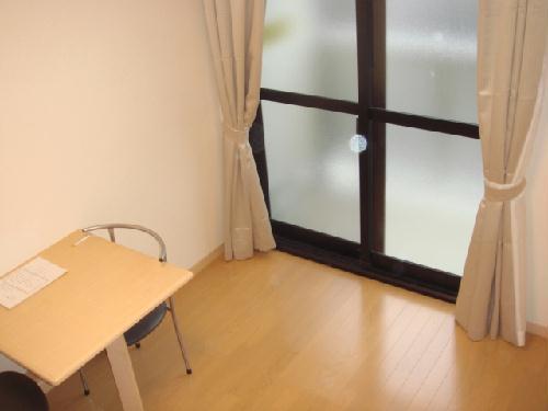 レオパレス城北 405号室のリビング