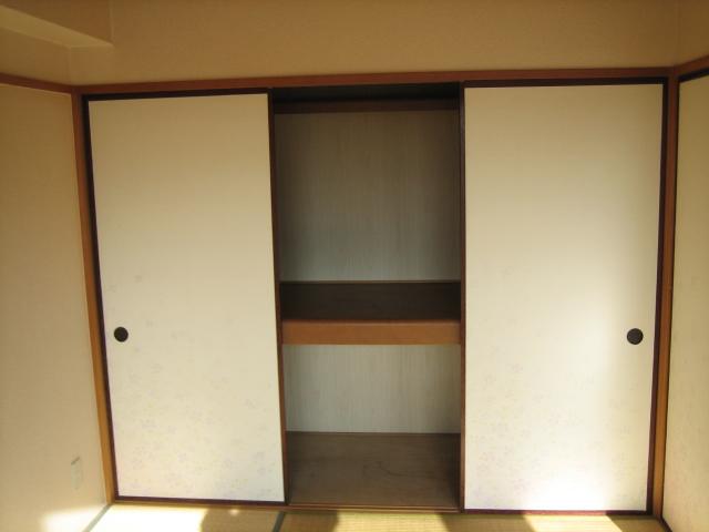 キャッスル小川 101号室の収納