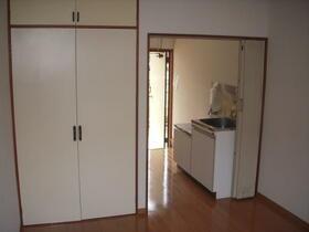サンアベニュー獅子山 206号室の収納
