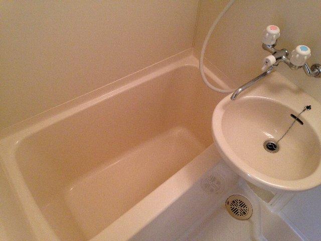 YSマンション 201号室の風呂