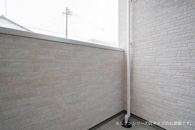 アドニスB 01010号室のバルコニー
