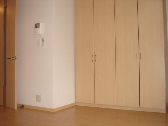 グリーンガーデン 202号室のリビング