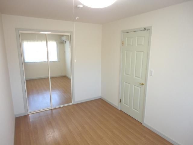プランドールK 105号室の玄関