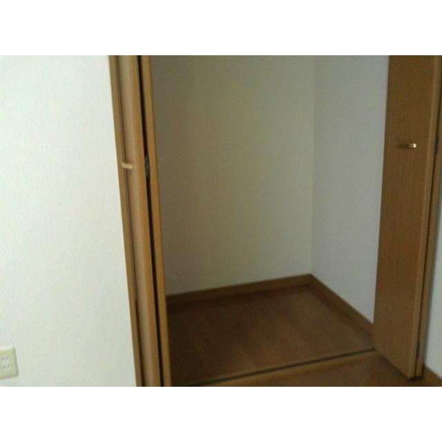 アムールナナ 201号室の収納