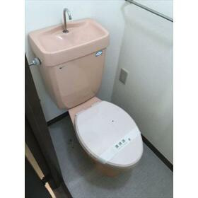 日建シェトワ5 401号室のトイレ