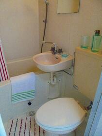 ベルトピア日野 202号室の風呂
