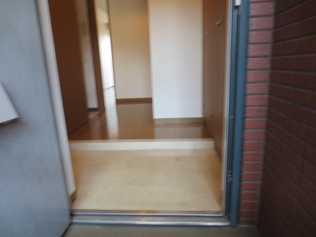 シー.ビー.フォート 406号室の玄関