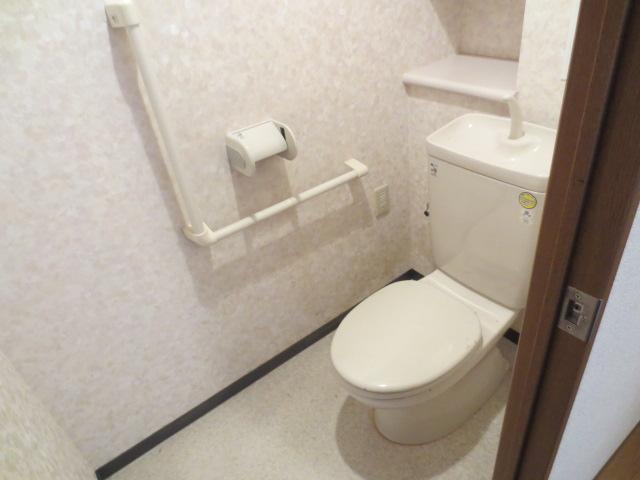 シー.ビー.フォート 406号室のトイレ
