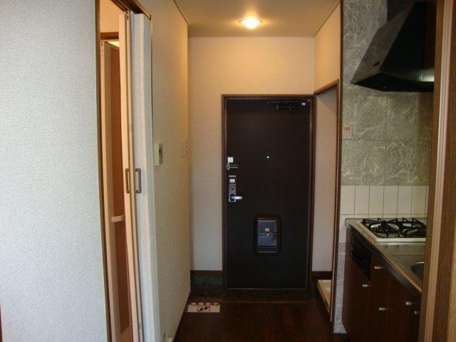 フローレンス大黒 101号室の玄関