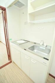 ルビーライト鶴ヶ岡 203号室のキッチン