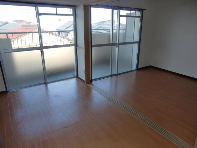 杉浦マンション 305号室のその他