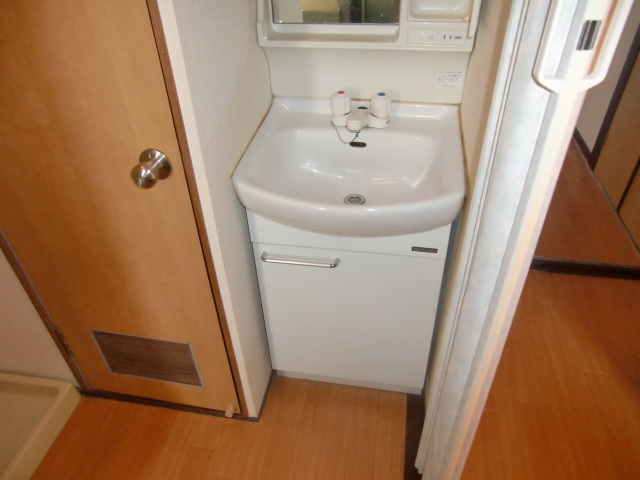 杉浦マンション 305号室の洗面所