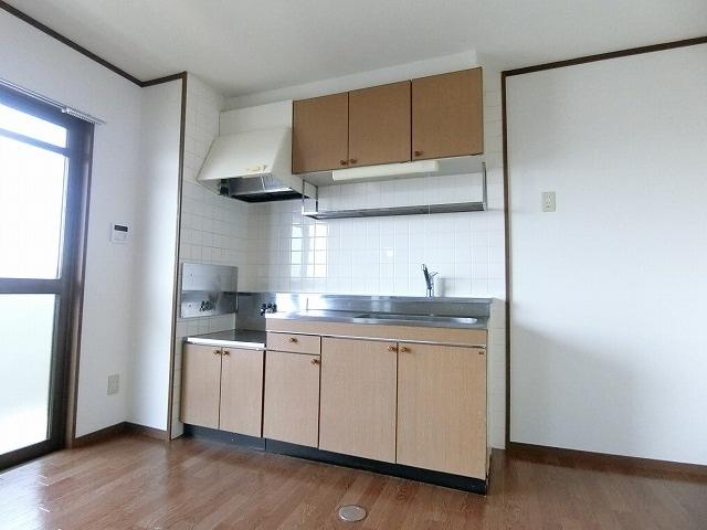 サンライズヴィラ 03030号室のキッチン